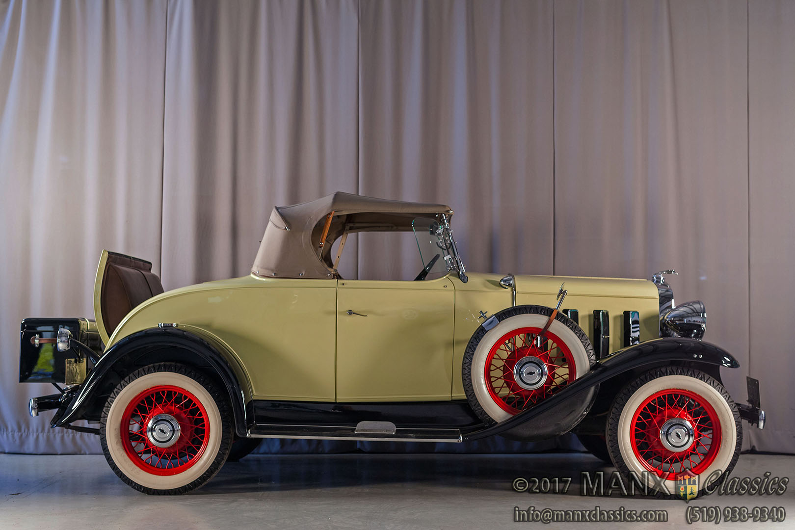 1932A_Chevrolet_Roadster_001